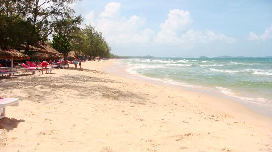 Sihanoukville: Otres beach to be cleared