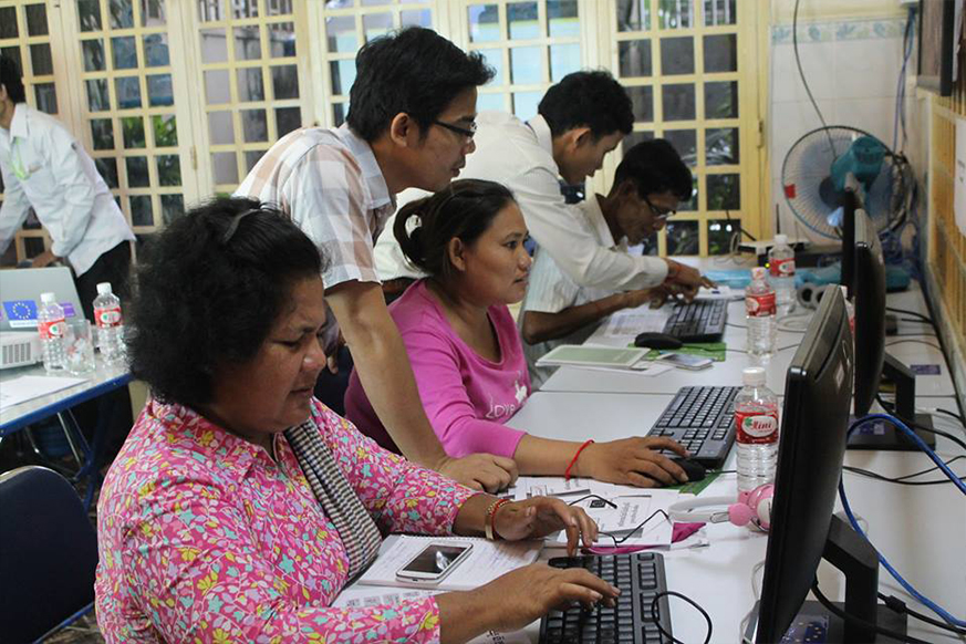 Monthly Training Course on Facebook for Urban Poor Community Activists